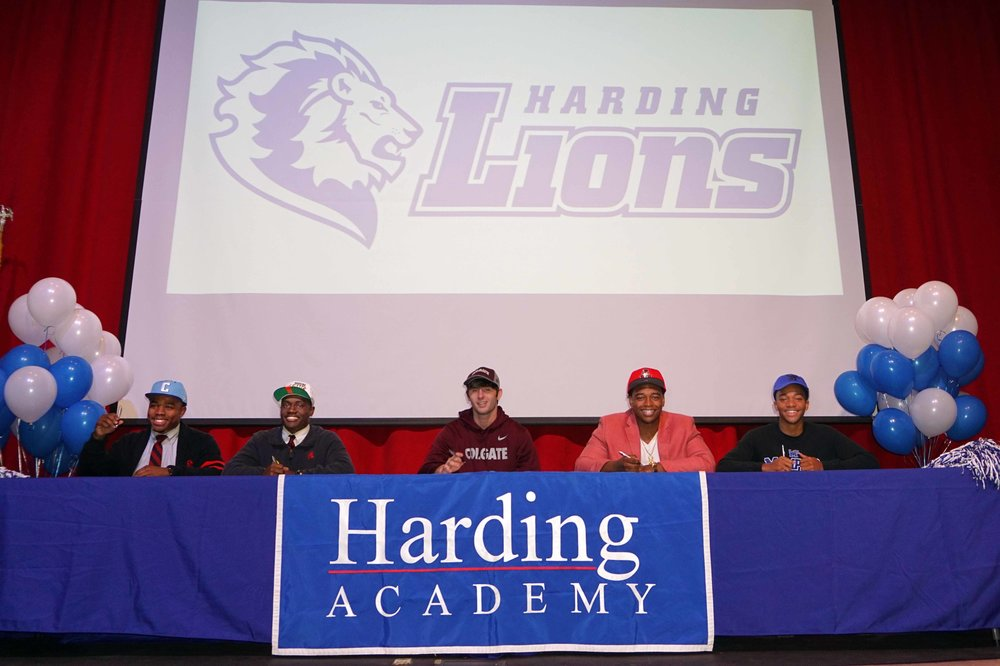 Feb1 NationalFootballSigningDay12.jpg