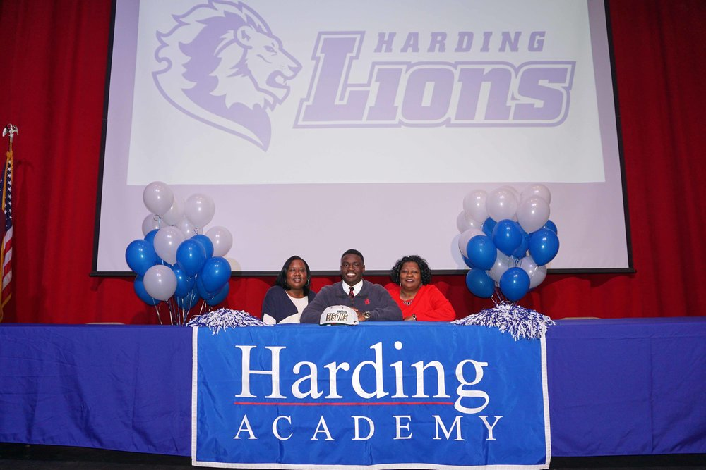 Feb1 NationalFootballSigningDay19.jpg
