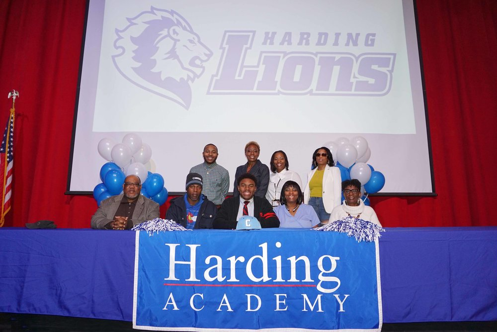 Feb1 NationalFootballSigningDay23.jpg
