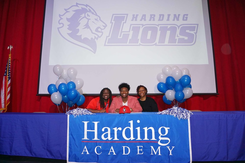 Feb1 NationalFootballSigningDay16.jpg