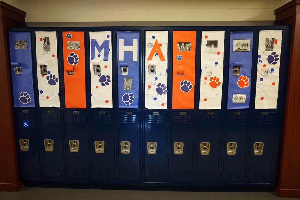 Sept30 HomecomingSigns&Lockers10.jpg