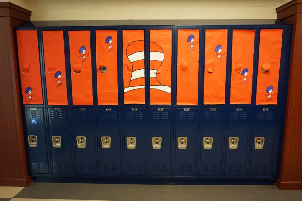 Sept30 HomecomingSigns&Lockers12.jpg