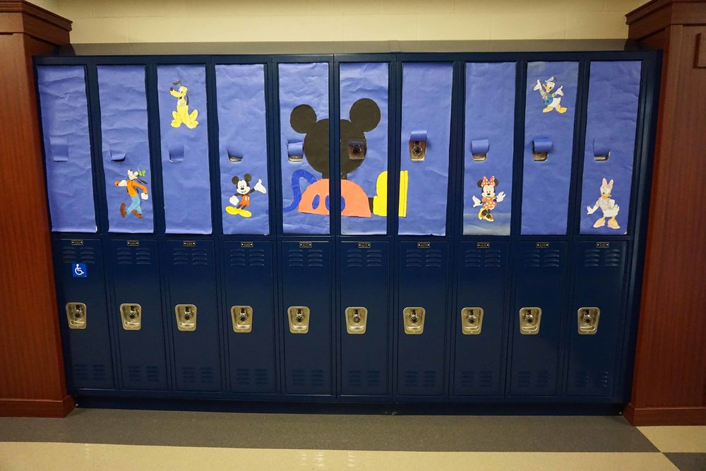 Sept30 HomecomingSigns&Lockers15.jpg