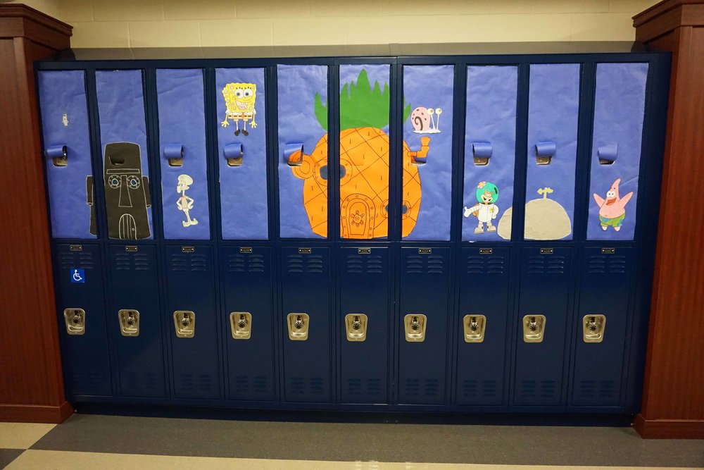 Sept30 HomecomingSigns&Lockers16.jpg