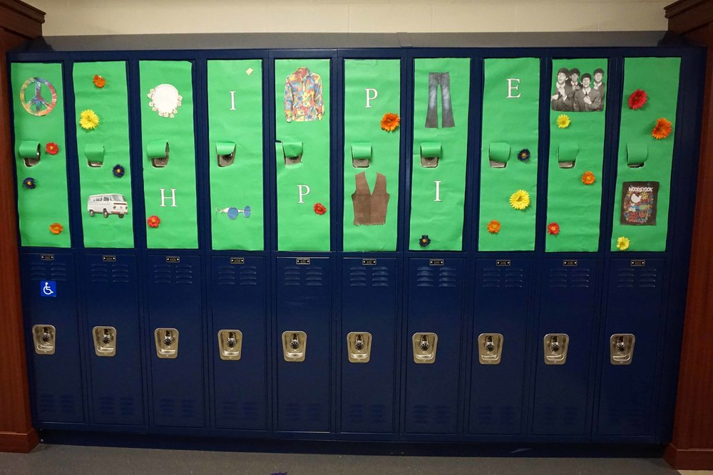 Sept30 HomecomingSigns&Lockers19.jpg