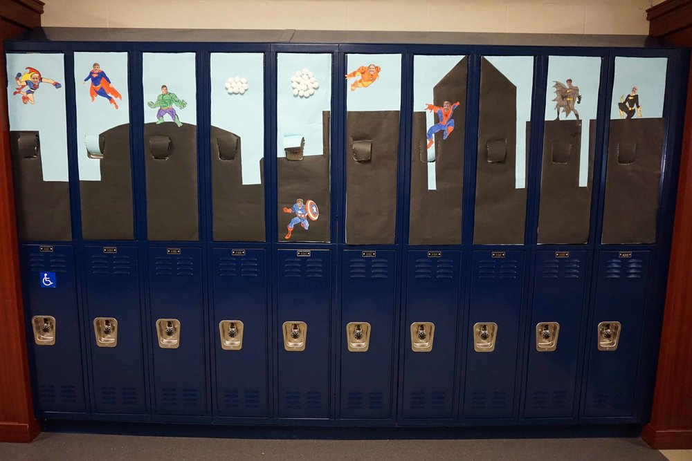 Sept30 HomecomingSigns&Lockers21.jpg