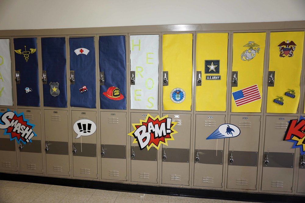 Sept30 HomecomingSigns&Lockers36.jpg