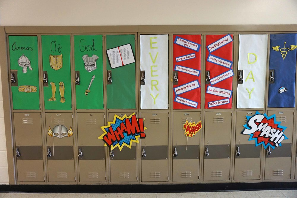 Sept30 HomecomingSigns&Lockers35.jpg