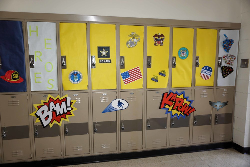 Sept30 HomecomingSigns&Lockers37.jpg