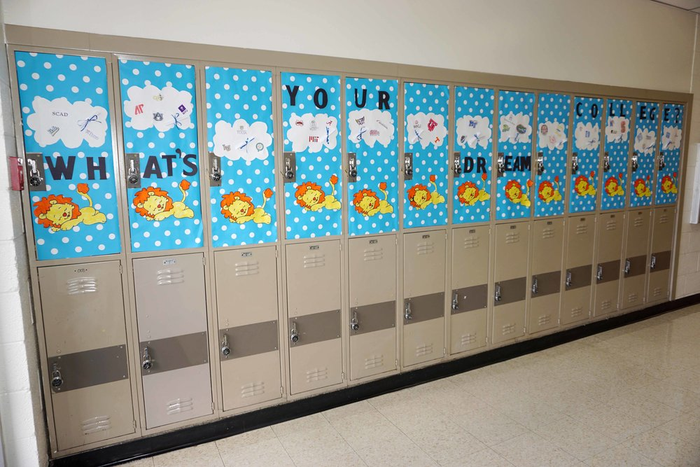 Sept30 HomecomingSigns&Lockers38.jpg