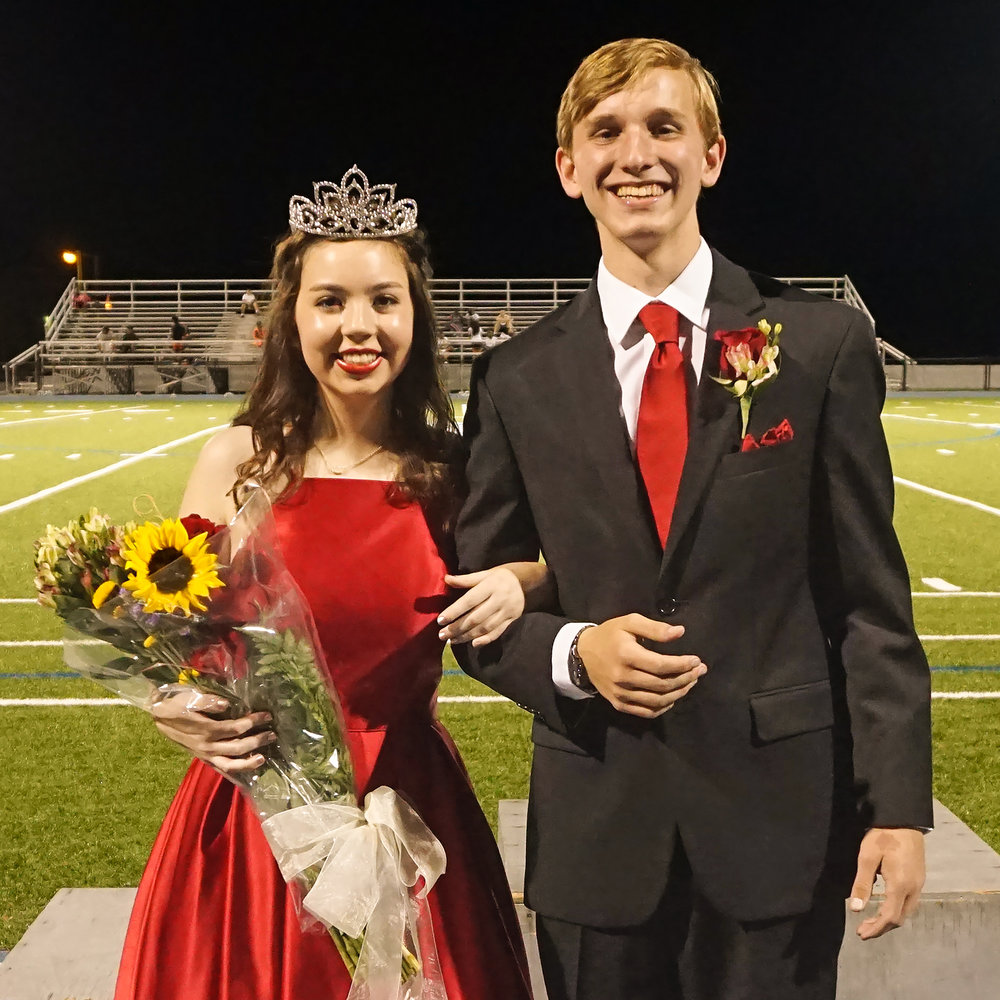 2017 Homecoming Queen Caroline Birdwell#2.jpg