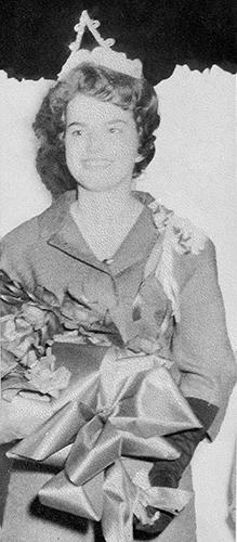 1962 HomecomingQueenCarolynJohnson(500).jpg