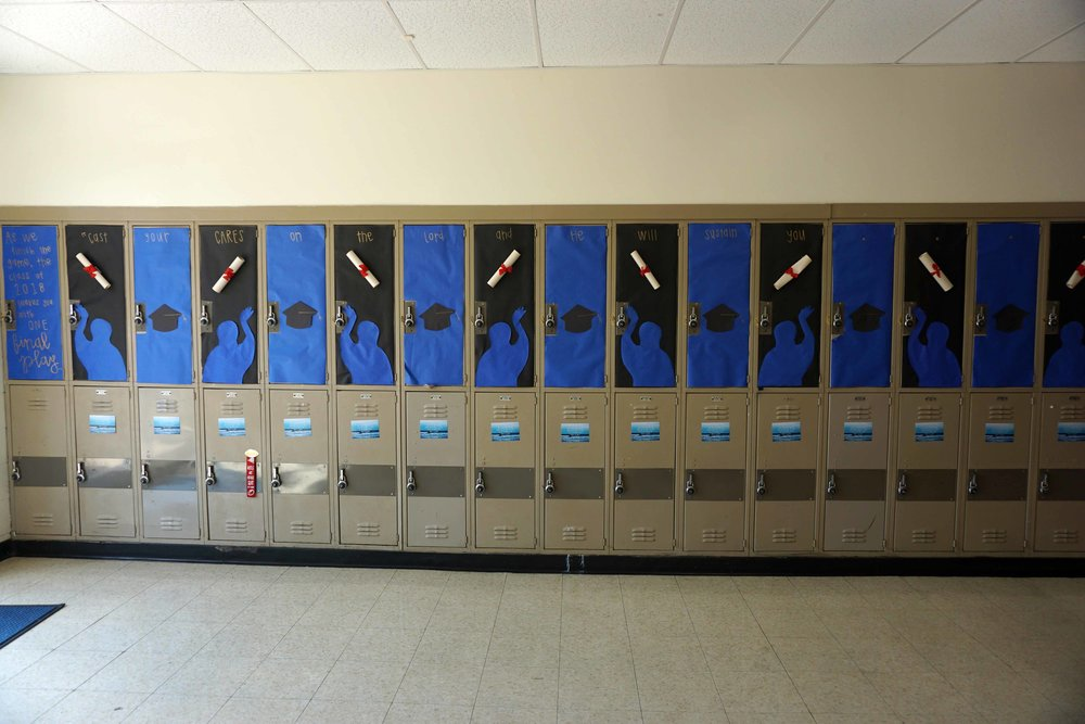 Sept22 HomecomingLockerDecorations01.jpg