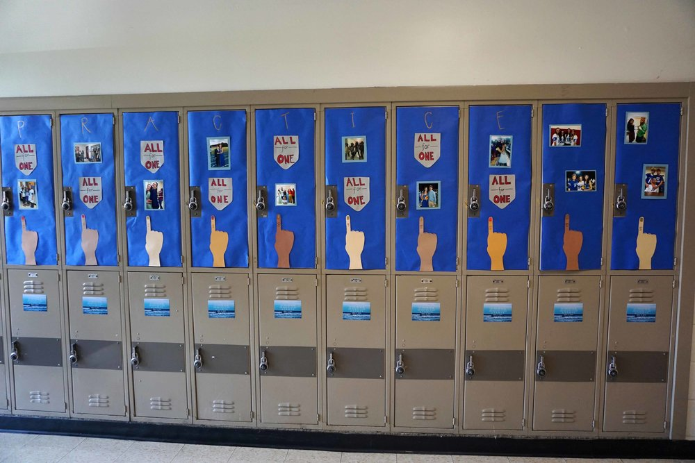 Sept22 HomecomingLockerDecorations09.jpg