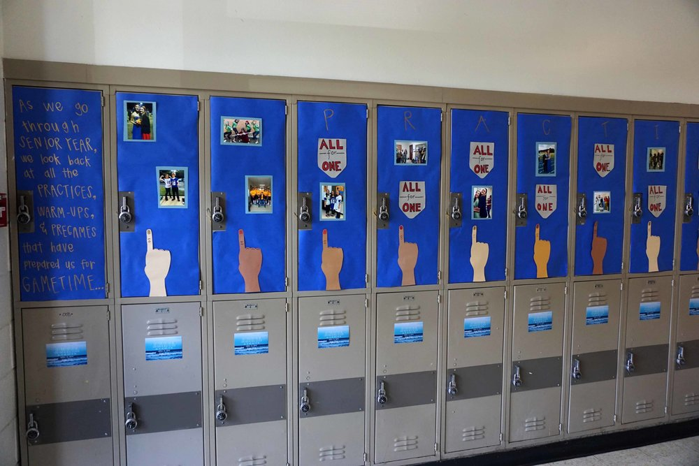 Sept22 HomecomingLockerDecorations10.jpg