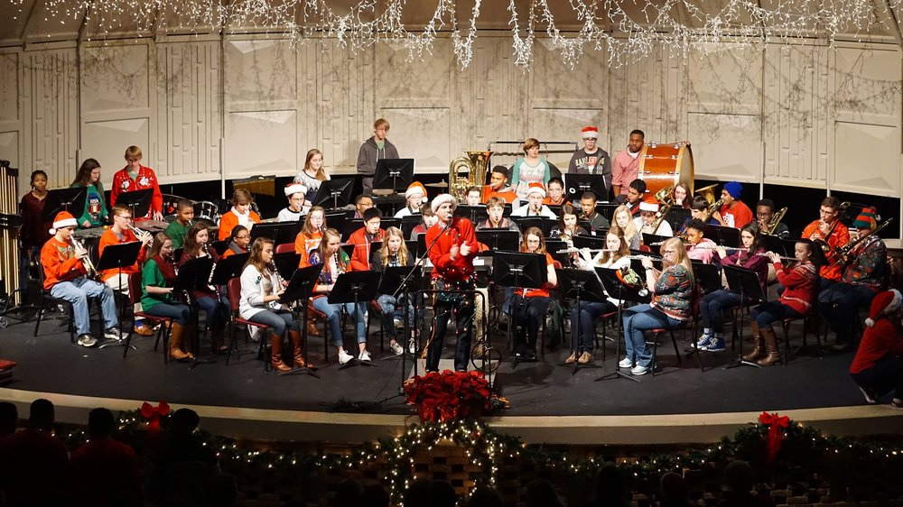 Christmas Sing–along with Grades 5 & 6