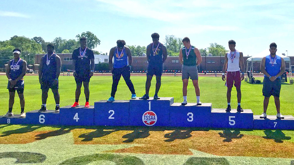 Adrian Scott finishes 7th in the discus.