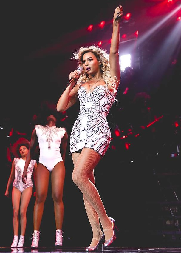 Beyonce-Mrs-Carter-Show.jpg