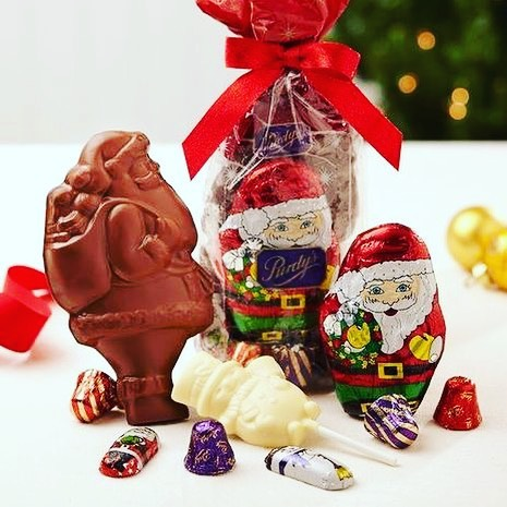 Who doesn't love chocolate?! 🍫  Purchase your Christmas treats through Kvitka and a portion of the sales goes towards the school!  But act quick! All orders need to be in by Nov 20!  Link in bio!  https://fundraising.purdys.com/499892-58255