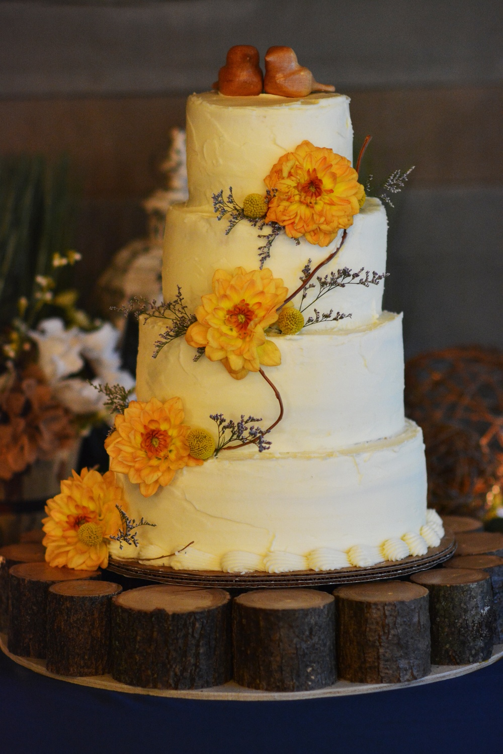Hermitage Wedding flower cake.jpeg