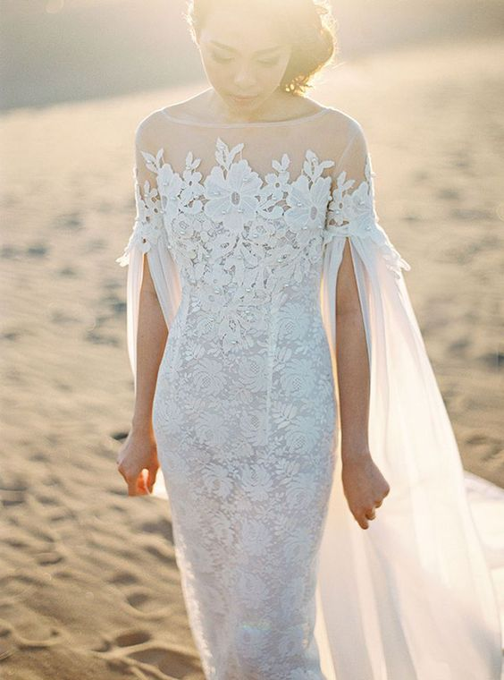 Is-Amare Bramanta Wijaya Sposa Cape Gown