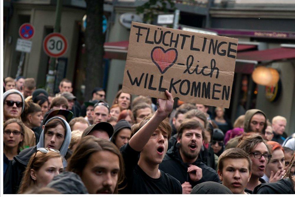 refugees_welcome_berlin.jpg