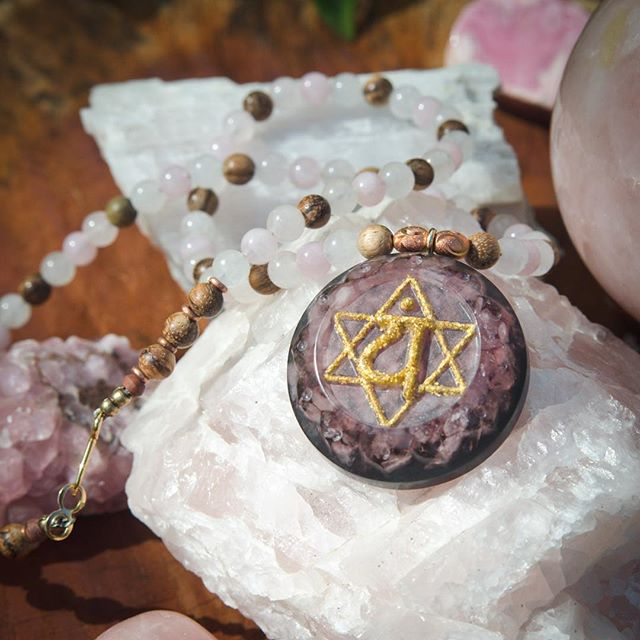Heart vibes 💖💖💖 Rose Quartz with 23k gold inlay Sanskrit Anahata ( heart ) Chakra Symbol and our Elemental Mix ( Shungite, Black Tourmaline, Selenite and more ) on a beaded necklace of Copper, Rose Quartz and Sandalwood.  https://www.etsy.com/listing/682669237/chrysalis-orgone-amulet-heart-chakra #heartchakra #rosequartz #loveisthebestmedicine #orgonite #orgone #chakrahealing #chakracrystals #crystalhealing #gold #anahata #anahatachakra #wholenessandbalancedvibrations