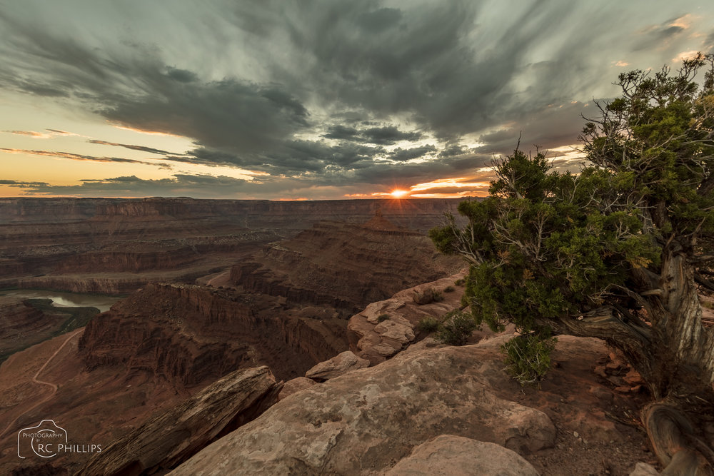 Sunset at Dead Horse Point State Park, Utah.
