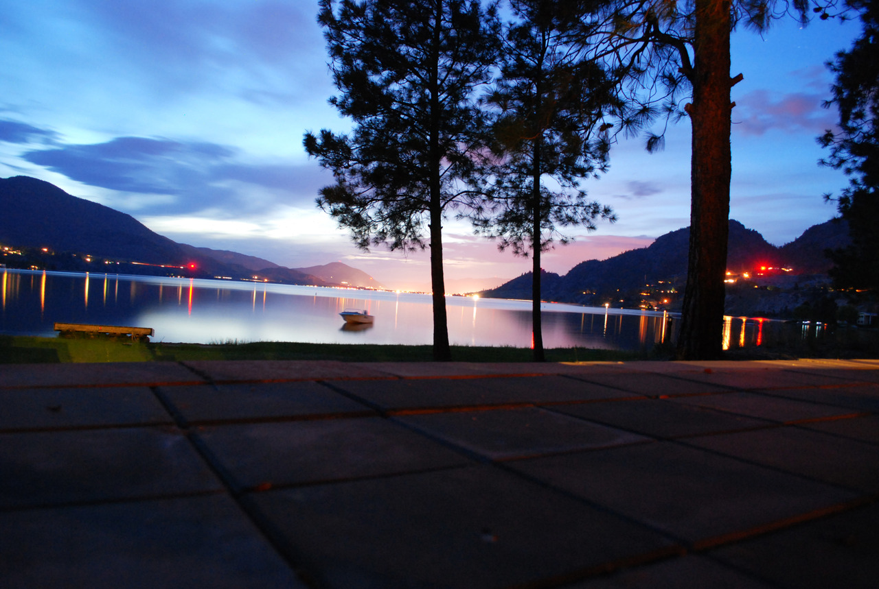 1 min. exposure. Okanagan Lake