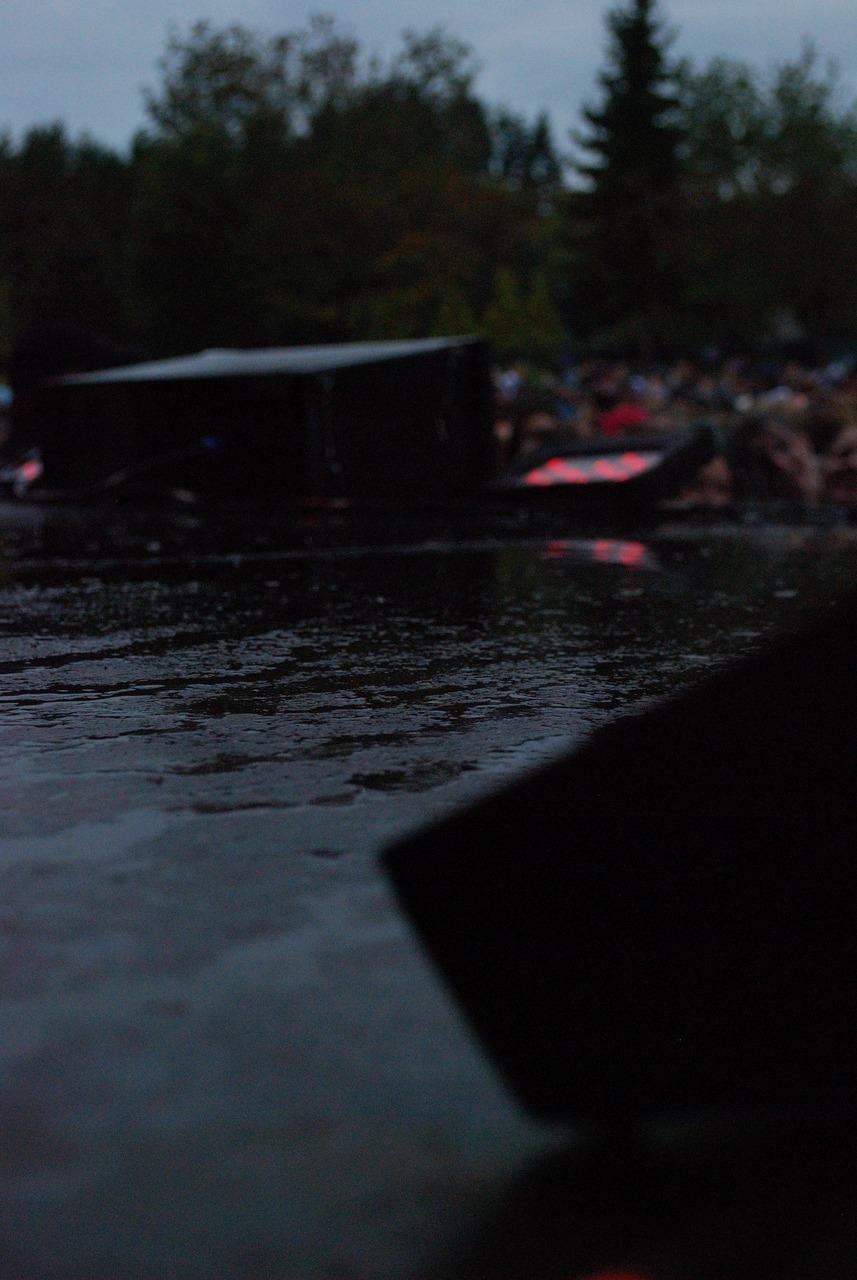 Slippery stage @ Deer Lake Park