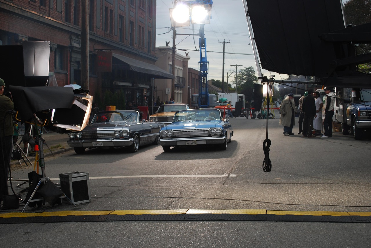On set   Main St.
