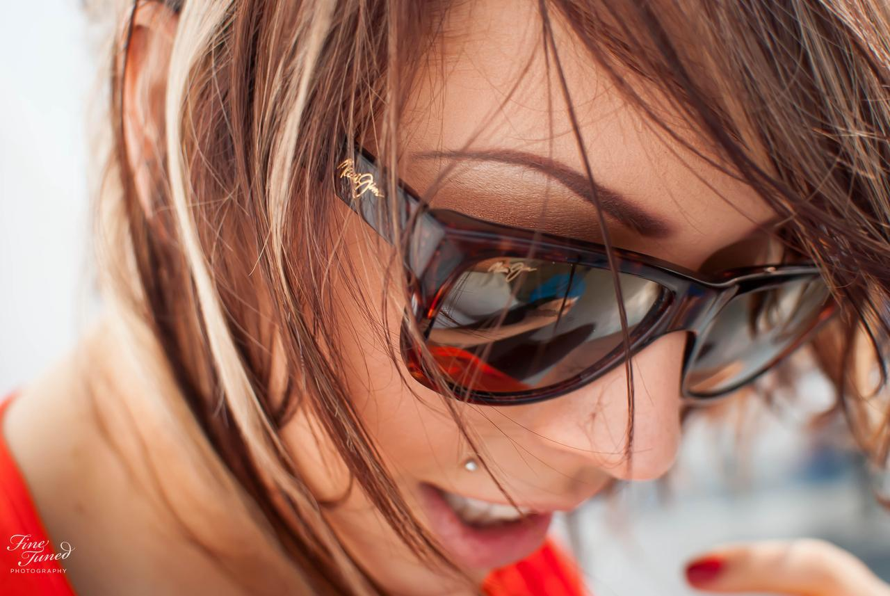 Fiona, looking lovely in my Maui Jims ;)