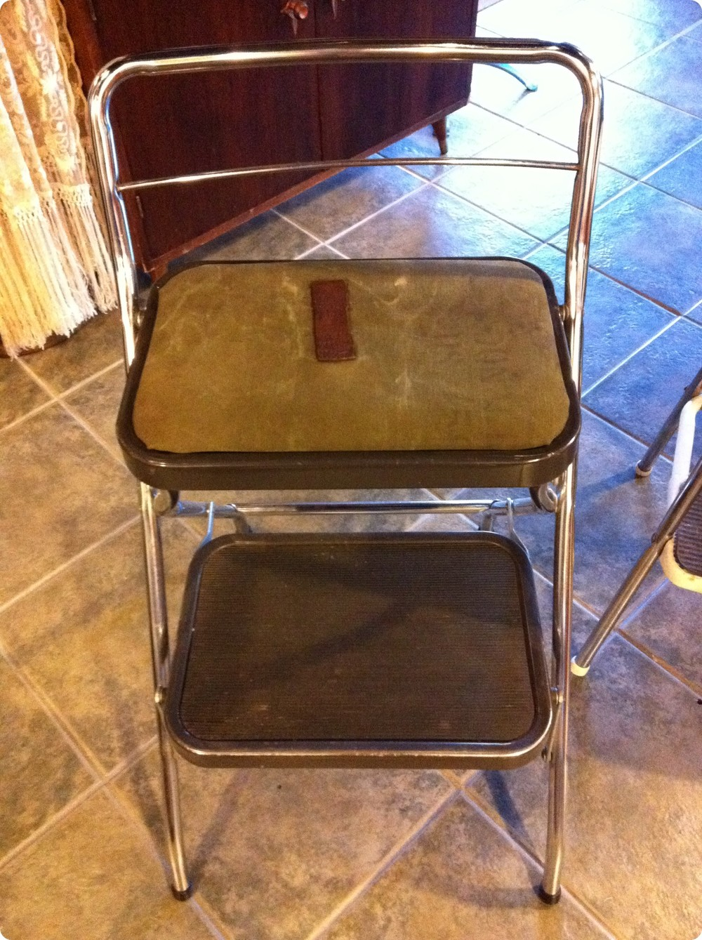 recovered step stool.JPG