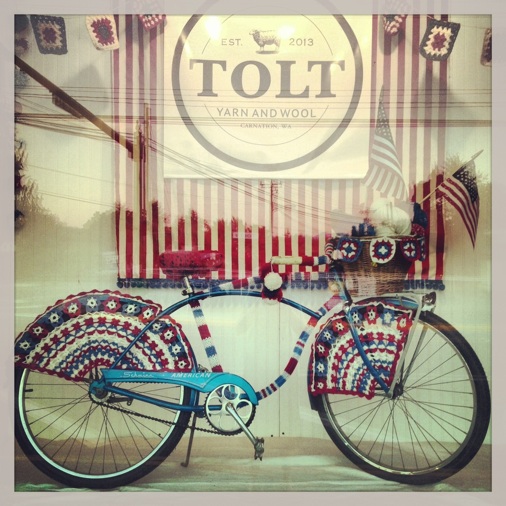 image by Anna Dianich. finished 4th of july window for Tolt Yarn & Wool