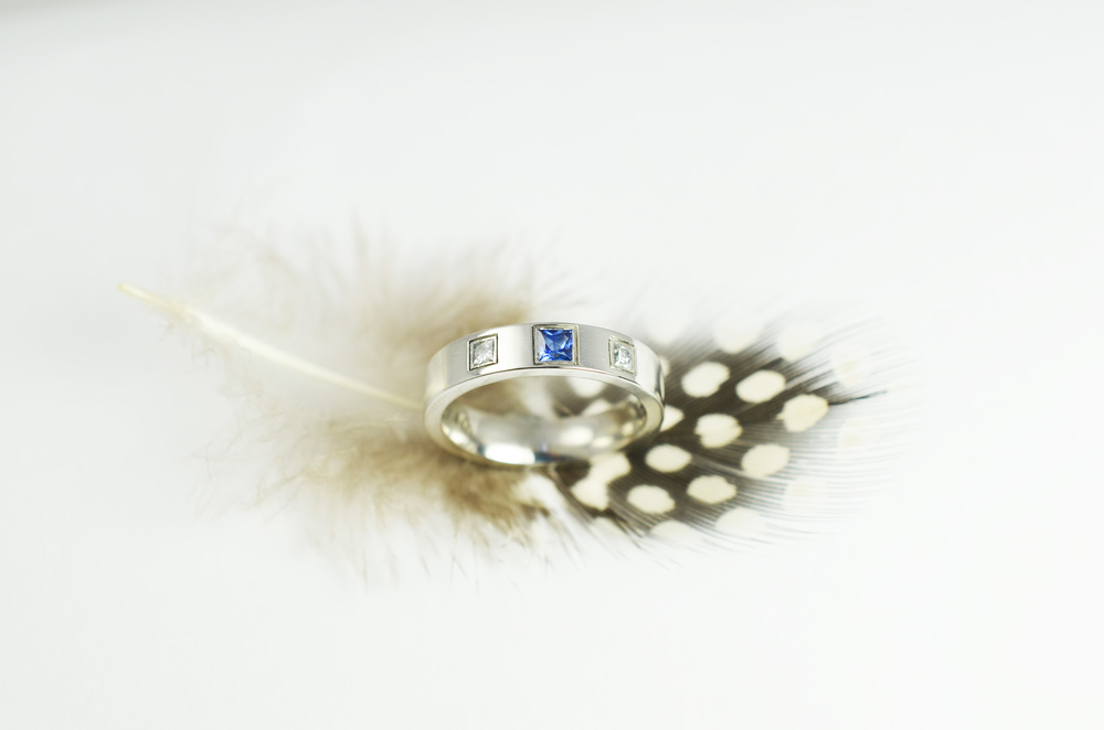 Specialising in Bespoke jewellery.