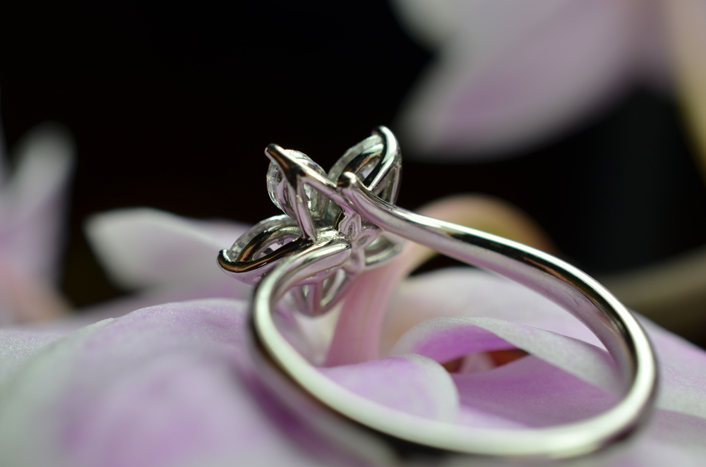 Diamond and platinum Flower cluster