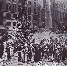 What's the story with the Rockefeller Christmas Tree?