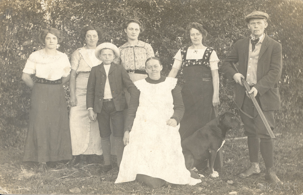 Family picture, ca. 1912-1914