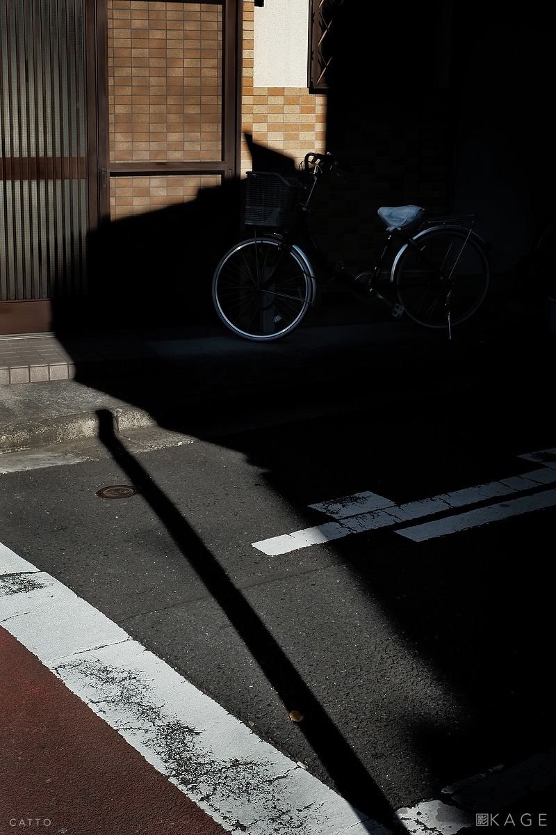 Shinjuku Shadow Robert Catto | X-T2, 35mm f/1.4. 1/280 at f/10, ISO 400.