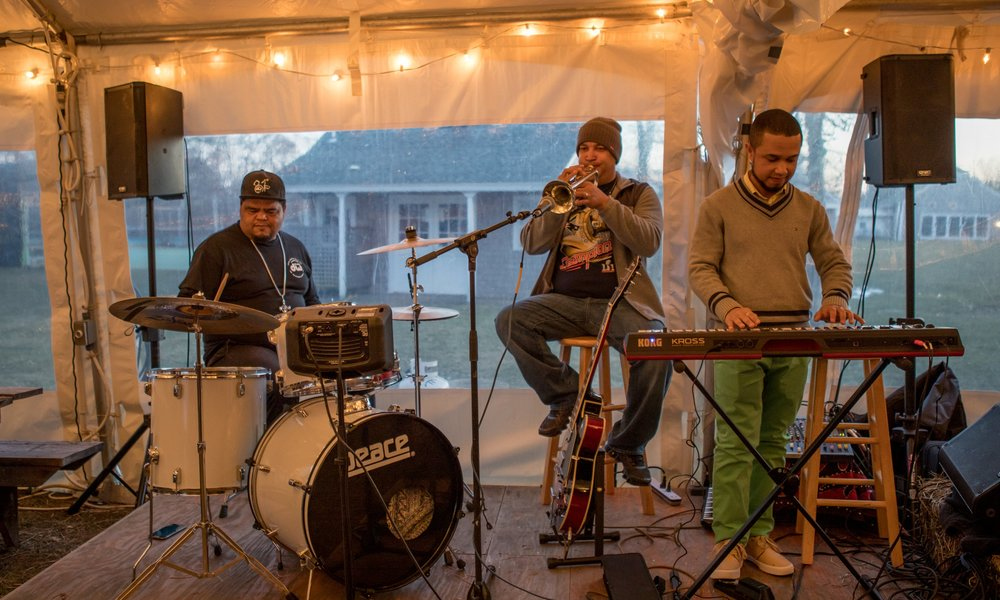 We celebrate artists, musicians, and chefs on Island by incorporating music, arts, and food into our events.