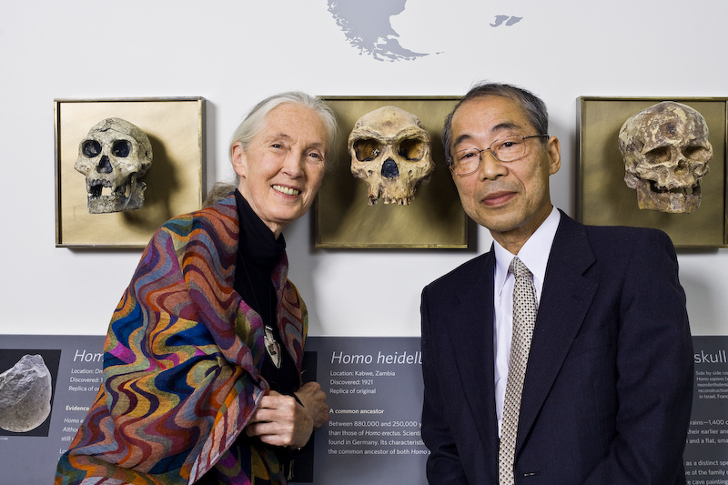 Jane Goodall with Nishida at the 2008 Leakey Prize Gala.