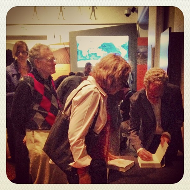 """Daniel Lieberman """"The Story of the Human Body"""" book signing. #sfscience #evolution"""