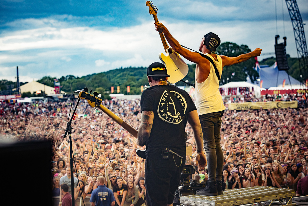 2015_Reading_GregoryNolan_AllTimeLow_MainStage_Friday-10.jpg