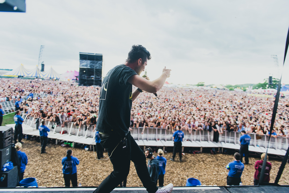 2015_Reading_GregoryNolan_Bastille_MainStage_Friday-73.jpg