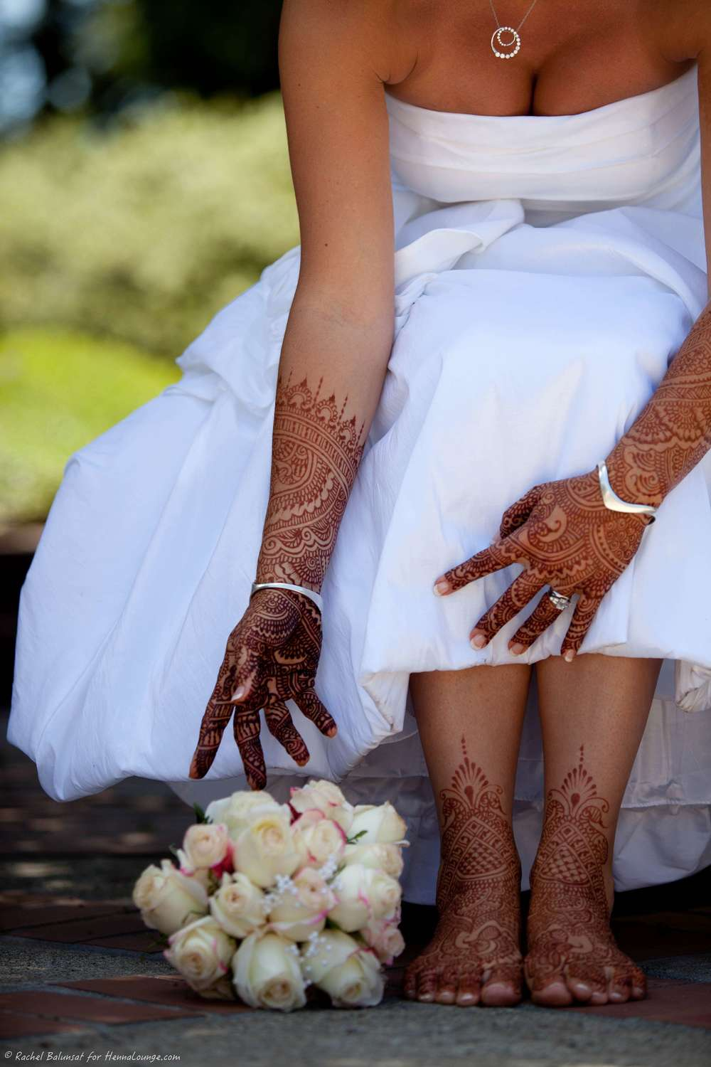 A great example of a very rich henna stain. Patience really pays off! Photo by Rachel Balunsat and henna by http://www.hennalounge.com