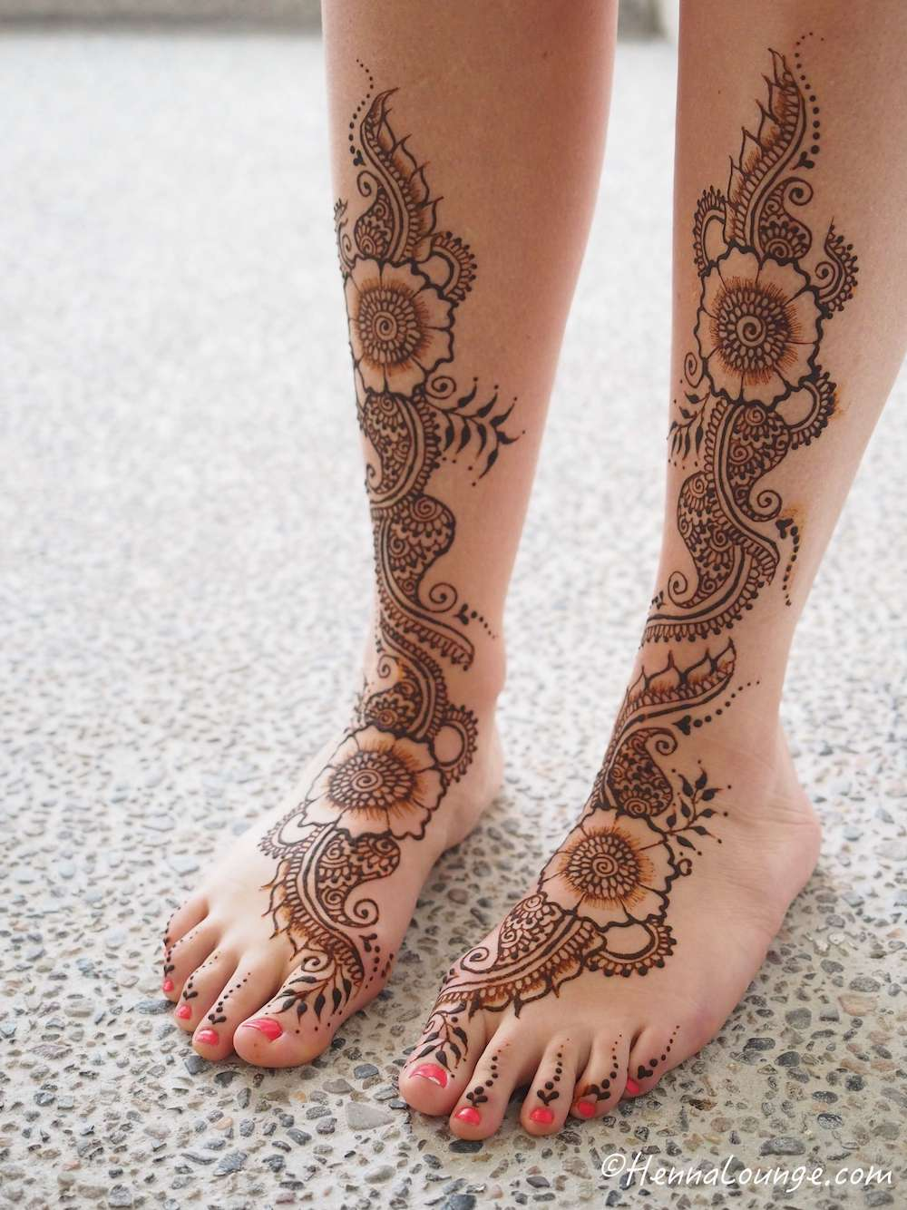 Her feet were my favorite, such a luxury to have beautifully decorated feet!