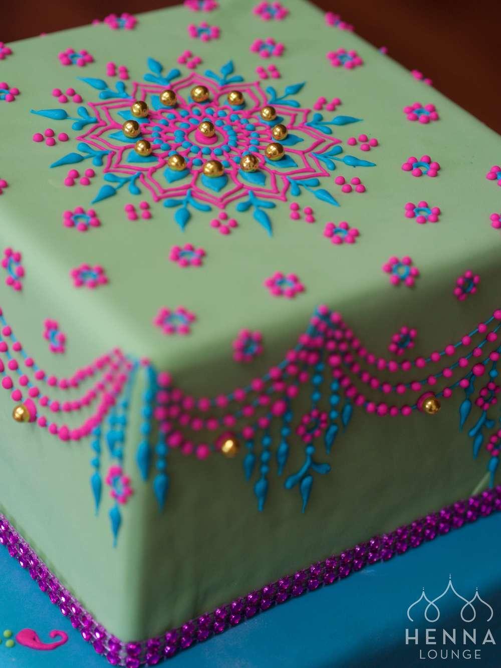 Mehndi Patterns For Cakes : Mehndi cakes by henna lounge —