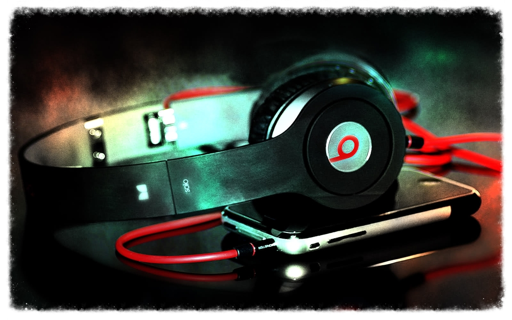 Dr__Dre_Beats_Wallpaper_-.jpg