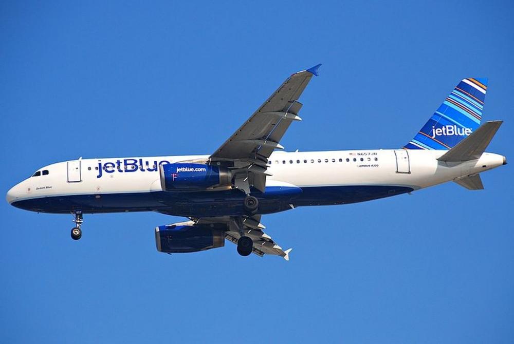 800px-JetBlue_Airbus_A320-232;_N657JB@LAX;11.10.2011_623cm_(6643885067) (1).jpg
