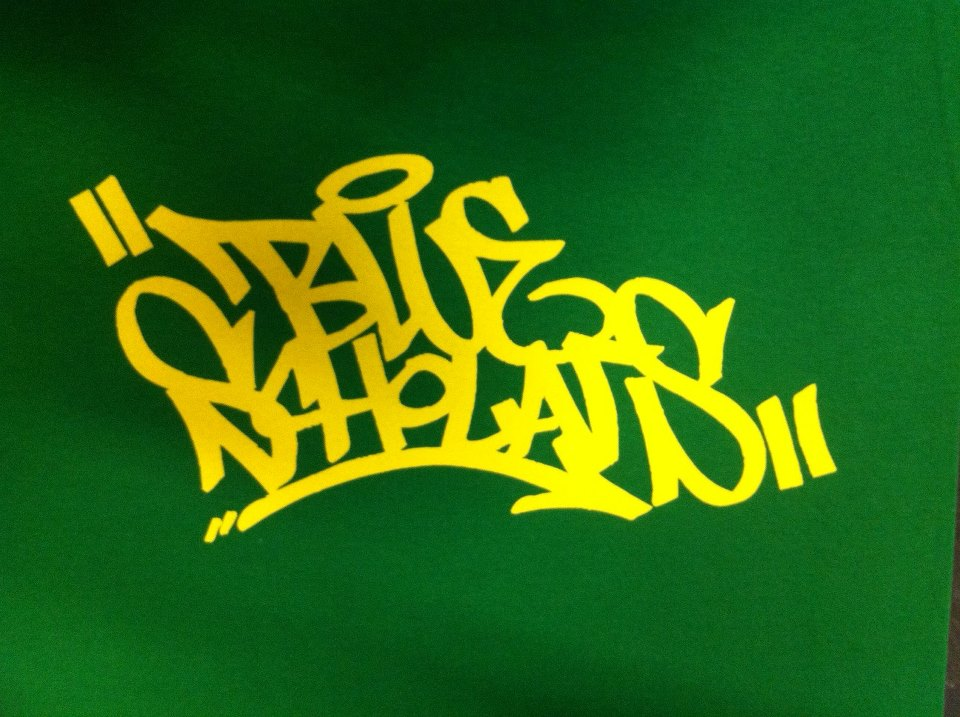 bringing back the OG t-shirt in green and gold if you're in Seattle tonight, come to Neumos to get first dibs on it available online real soon too